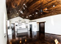 Amazing Oklahoma Barndominium - Pictures, Builder Info, Cost, and More Metal Barn House Plans, Metal Building House Plans, Metal Barn Homes, Pole Barn Homes, Build House, Barndominium Pictures, Barndominium Floor Plans, Shed Homes, Kit Homes