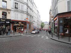 """Montmarte - """"We're up on a hill!"""" - A street shot :D"""