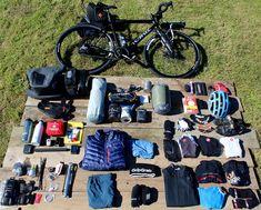 """En esta entrada Tim Wiggins nos enseña su listado completo de equipación y material que tiene pensado llevarse en su Tour cicloturista """"Costas y Puertos de Montaña"""" por España y Francia. No dudes en coger ideas, ¡seguro que encuentras algo que no se te habría ocurrido llevar!"""