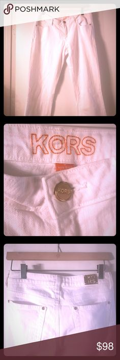 Michael Kors trendy white straight leg jeans Michael Kors trendy white straight leg jeans -- with cute gold accents. Worn once. Bright, crisp white great for summer! Michael Kors Jeans Straight Leg