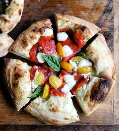 roasted red pepper & tomato pizza
