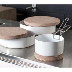 Ceramic saucepan. Droog design
