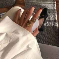 looks i'd love to wear Gold Jewelry, Jewelry Rings, Jewelry Accessories, Fashion Accessories, Jewelry Design, Jewellery, Jewelry Chest, Jewelry Box, Schmuck Design