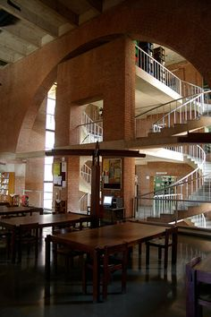 Indian Institute of Management - Louis Kahn, 1962-1974 - Ahmedabad IN