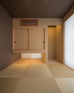 その他事例:和室(H-house「走り回る家」) Modern Japanese Interior, Modern Japanese Architecture, Japanese Modern, Japanese House, Modern Interior, Home Interior Design, Meditation Corner, Meditation Rooms, Tatami Room