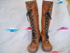 These boots are an awesome pair of vintage 70ish style Hippie boot. BoHo, Gypsy style. Very nice heavy leather. Size is unknown. My guess is