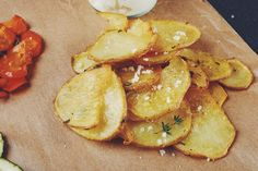 Potato Chips Source by Snack Mix Recipes, Great Recipes, Cooking Recipes, Vegetable Chips, Healthy Potatoes, Healthy Snacks, Healthy Recipes, Those Recipe, Snacks Für Party