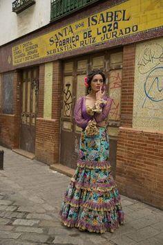 #Flamenca de callejones. Flamenca de Triana.