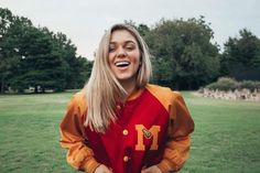 Celebrity Ceremony – Honoring beautiful female human celebrities and their awesomeness Sadie Robertson, Role Models, Rain Jacket, Windbreaker, Super Cute, Beautiful Women, Female, Celebrities, Hair