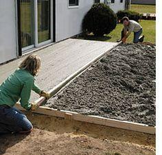How to lay a DIY concrete patio
