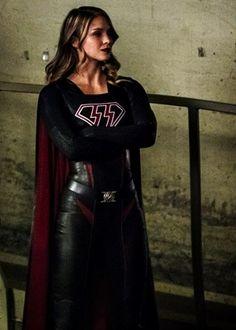 crisis on earth x Melissa Benoist, Kara Danvers Supergirl, Supergirl Comic, Helen Slater, Wander Woman, Dc Tv Shows, Cw Series, Katie Mcgrath, Dc Movies