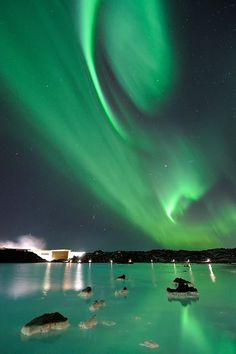 Auroras Borealis - Iceland. A sight I will never forget. Blessed to be able to catch it on my 1st night there. Beautiful green ribbons light floating. Heard that night was a rare sight. I hope to dance with the light again. Pink /purple colorful one...will be beautiful...^^ What a wonderful world ♡