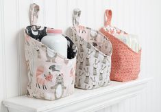 Check out this cute storage pods free sewing pattern and tutorial. You will surely love this pattern! Take a look – there are only two pieces to cut for the pod! You will box the corners and add a hanging loop and tada! Sewing Hacks, Sewing Tutorials, Sewing Tips, Bag Tutorials, Sewing Crafts, Sewing Patterns Free, Free Pattern, Pattern Fabric, Purse Patterns
