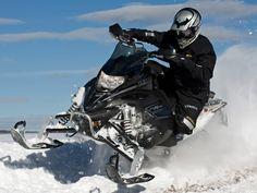Управление снегоходом по различным видам трасс