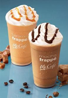 Tired of paying for your Frappe addiction? Check out this easy peasy Caramel Frappe (Mocha too) Recipe.it tastes just like the ones from McDonald's! Frappe Recipe Mcdonalds, Mcdonalds Caramel Frappe, Caramel Frappe Recipe, Mcdonalds Coffee, Mcdonalds Breakfast, Caramel Frappuccino, Starbucks Recipes, Coffee Recipes, Keto Mcdonalds