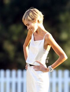 Isabel Lucas Pixie - of only o could do a flat style...