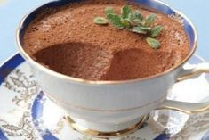 Cottage cheese-chocolate mousse, a delicious dessert for those on a diet! My Recipes, Sweet Recipes, Cooking Recipes, Favorite Recipes, Köstliche Desserts, Delicious Desserts, Mac And Cheese Homemade, Good Food, Yummy Food