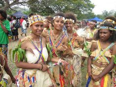 My World :): Posing For Manus Island Female Traditional Attire