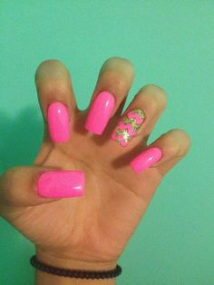 Barbie pink nails with chevron print