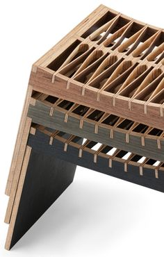 FLEX : Pirwi - The Flex bench has a seat made from thin strips of maple plywood featuring a pattern of undulating lines.