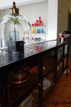 the low cabinet is pefect for this spot in the dinningroom.