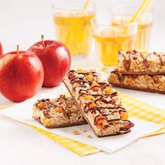 Chocolate granola bars without nuts Mini Desserts, Barres Granola, Granola Barre, Boite A Lunch, Grain Foods, Recipe Details, Caramel Apples, Healthy Snacks, Oatmeal