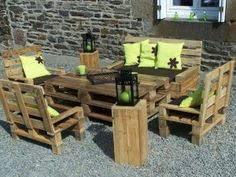 made with pallet wood or skids shipping palets http://media-cache3.pinterest.com/upload/229754018460234345_eep1SSJr_f.jpg ivywill salvaged wood items
