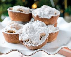 Le mince pie speziate sono tortine tipiche della tradizione inglese, divenute ormai un classico anche della cucina italiana