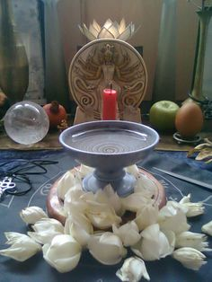altar to Hekate
