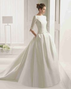 クラシック Vネック ハーフスリーブ ボールガウン 花嫁のドレス ウェディングドレス Hro0115