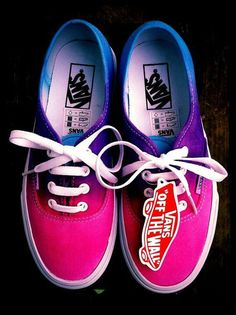 Two cool,soft,purple and pink,vans,cotton and walking sneakers. Sneakers Vans, Vans Shoes, Converse, Vans Tie Dye, Sock Shoes, Shoe Boots, Basket Style, Cute Vans, Painted Shoes