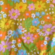 Vintage 70s Groovy Floral Twin Size Bed Sheet