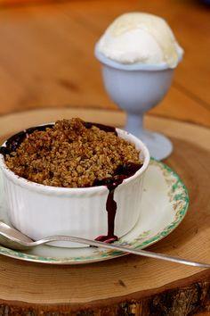 vegan peach berry crumbles #dessert #vegan