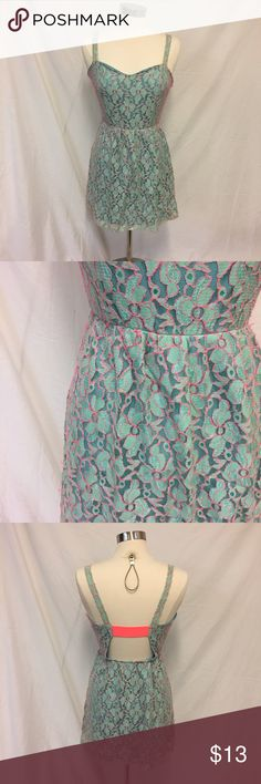 ❤️ Pink Owl Lace Dress with open back Super cute blue dress with pink accents. Pink strap in the back in spandex so it stretches. Slight piling but other than that in very excellent preloved condition. 65% polyester 35% nylon❤️ Pink Owl Dresses