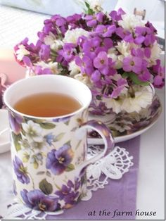 A cup of tea is soothing to the soul. If I could not drink tea it would be a day in hell. Vintage Tea, Dresser La Table, Coffee Cups, Tea Cups, Café Chocolate, Teapots And Cups, All Things Purple, My Cup Of Tea, Tea Cup Saucer