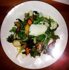GREEN SALAD Eggs, Salad, Meat, Chicken, Breakfast, Ethnic Recipes, Green, Food, Tarts