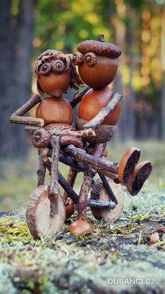 Pine Cone Art, Pine Cone Crafts, Fairy Garden Furniture, Fairy Garden Houses, Acorn Crafts, Pumpkin Crafts, Miniature Crafts, Miniature Fairy Gardens, Rock Crafts