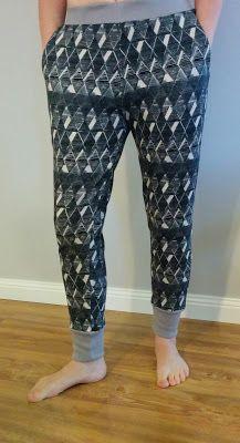 Sewing Pants Pattern Free Tutorials 65 New Ideas Pajama Pants Pattern, Pants Pattern Free, Free Pattern, Sewing Pants, Sewing Clothes, Sewing Patterns Free, Clothing Patterns, Pants Tutorial, Nightgown Pattern