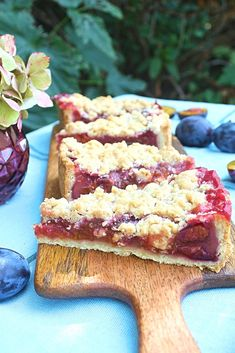 Plum cake with crumble - Kuchen, Süße Tartes - Banana Recipes Banana Recipes, Cake Recipes, Dessert Recipes, Cinnamon Crumble, Plum Cake, No Bake Bars, Fall Baking, French Food, Macaron