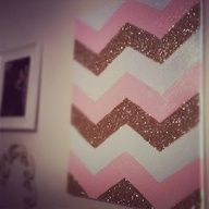 Chevron glitter wall decor, like this DIY idea! Chevron Wall Art, Diy Wall Art, Diy Art, Wall Decor, Decor Room, Bedroom Decor, Cute Crafts, Crafts To Do, Arts And Crafts