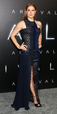 """Amy Adams made quite an entrance at the """"Arrival"""" premiere in a custom navy embellished Atelier Versace creation with geometric beading, an asymmetric neckline, and a thigh-high slit. Sapphire blue studs and patent platforms completed her look. Drop Dead Gorgeous, Beautiful Celebrities, Beautiful Actresses, Celebrity Outfits, Celebrity Style, Actress Amy Adams, Jessica Chastain, Red Carpet Fashion, Beauty Women"""