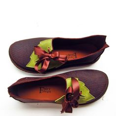 PYRAMUS Round, Chestnut Dragon, Greenwood via FAIRYSTEPS. Shoes. Accessories.