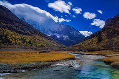 Sight of Autumn   Peaceful and beautiful Autumn scene captur…   Flickr