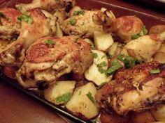 Rețetă Pulpe de pui la cuptor cu cartofi si ierburi, de Maria2006 - Petitchef Romanian Food, Jamie Oliver, Food And Drink, Ale, Yummy Food, Meat, Chicken, Cooking, Recipes
