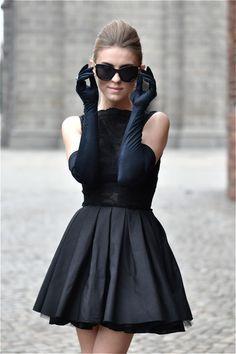 (via Little black dress | Make Life Easier)
