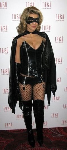 57 Supersexy Celebrity Halloween Costumes: AnnaLynne McCord zipped into a sexy superhero costume in 2009.