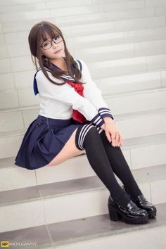Cute girl with nice glasses School Girl Japan, School Girl Dress, School Uniform Girls, Japan Girl, School Uniforms, Asian Cute, Cute Asian Girls, Cute Girls, Cool Girl