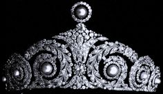 Made by Cartier in 1920, the tiara's top pearl is removable and originally the pearls were interchangeable with emeralds. Tiara Mania