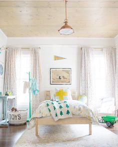Light and airy kid's bedroom