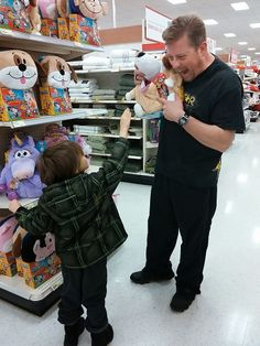 Having Fun at Target #MKOH Target Holiday Shopping Trip, Gift Suggestions for Kids & $25 GC Giveaway! #MyKindOfHoliday